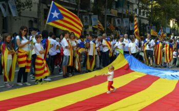 Rajoy usa l'articolo 155 in versione dura, autonomia catalana sotto sequestro