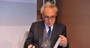 L'economista Giavazzi: «La crisi delle banche è figlia della recessione»