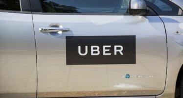Sentenza a Londra: «Gli autisti di Uber hanno diritto a ferie e salario minimo»