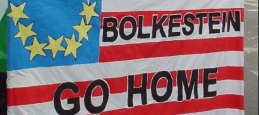 Manovra in Aula. Rinvio della Bolkestein e nuovi bonus a universitari e poliziotti