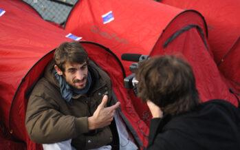Francia in lotta contro le barriere anti-senza tetto