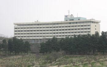 Attaccato a Kabul l'hotel Intercontinental, almeno 15 tra morti e feriti