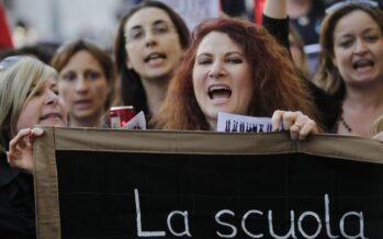 Sciopero delle maestre, ventimila in piazza contro il rischio licenziamento