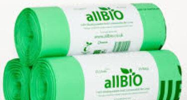 Governo e UE: «I sacchetti biodegradabili non possono essere dati gratis»