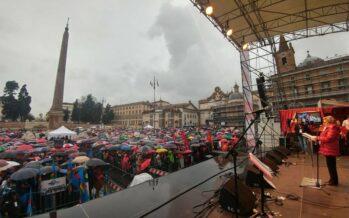 La piazza antifascista di Roma contro la violenza