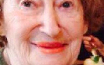 Parigi marcia contro l'antisemitismo dopo l'omicidio di Mireille Knoll