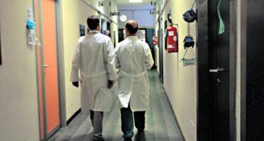 Dopo dieci anni firmato il nuovo contratto dei medici del Ssn