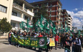 A Sulmona manifestano in 10mila contro l'hub del gas