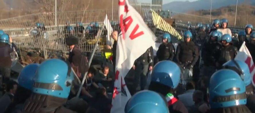 No Tav. A Torino condannato a 4 mesi un giornalista