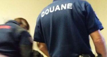 «Accoglienza indegna», l'autorità di controllo francese contro la gendarmerie