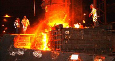 Ennesimo dramma sul lavoro a Padova, quattro operai investiti dall'acciaio rovente