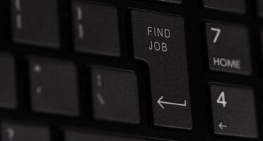 Dati Istat sull'occupazione: la crescita è senza occupazione fissa