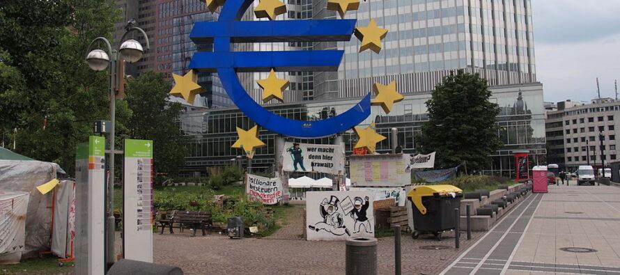 Il ministro Tria non convince l'Europa e rientra in anticipo a Roma