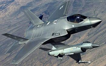 La (ex) ministra Pinotti compra altri 8 caccia F35 all'insaputa delle nuove Camere