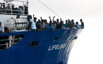 Dopo l'Aquarius tocca a Lifeline, Malta e Italia rimpallano i migranti, Salvini e Toninelli minacciano