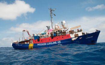 La Lifeline sequestrata a Malta, i 233 migranti divisi tra otto Stati Ue