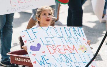 """USA. Tolleranza zero con i baby migranti: """"Zitto o ti fanno la puntura"""", le regole shock"""