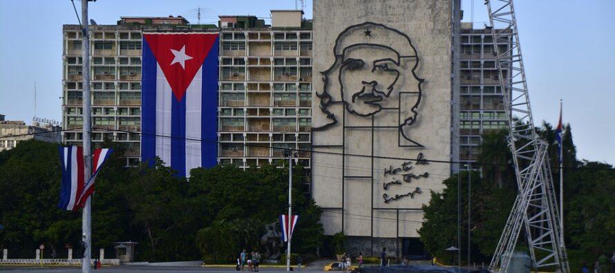 L'ultima revolución. Anche sulla Carta Cuba non è più comunista