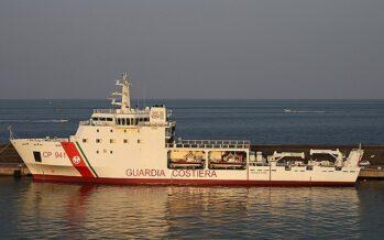 Migranti, sbarcano 16 minori dalla Nave Gregoretti