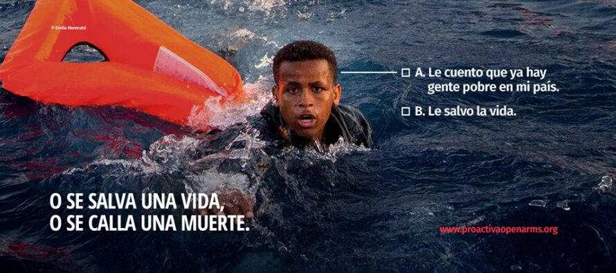 Ong Open Arms denuncia: «Migranti abbandonati in mare dai libici»