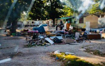 Il decoro secondo Raggi. Anche col Covid, il Comune «bonifica» i campi rom