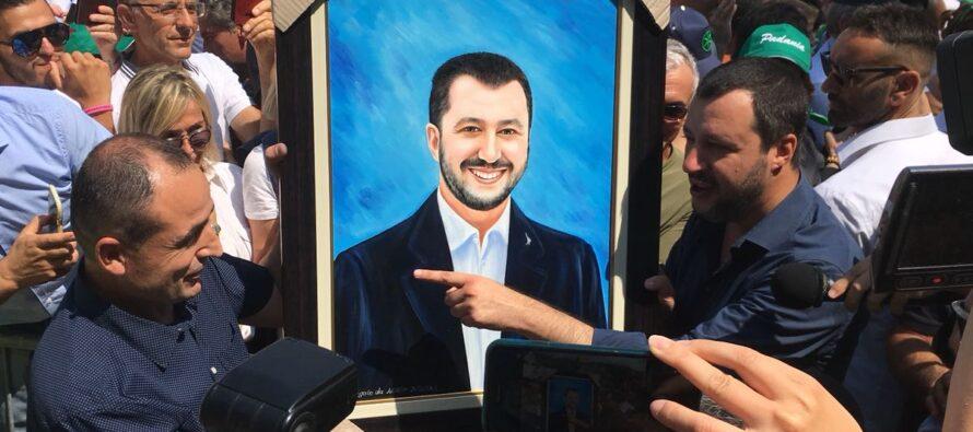 """Nuovo regalo di Salvini ai più ricchi: via la Tasi, 80 euro """"superati"""""""