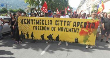 «Ventimiglia città aperta», in diecimila contro il razzismo di Stato