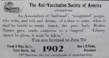Vaccini, le Regioni ricorrono alla Consulta, protestano le famiglie dei bimbi malati