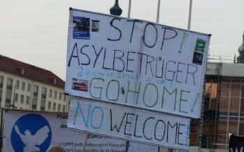 Angela Merkel condanna la caccia allo straniero a Chemnitz ma difende il ministro degli Interni
