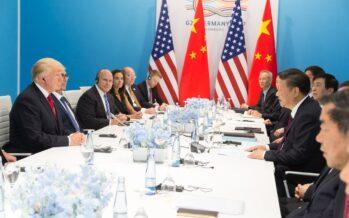 La Cina risponde agli Stati Uniti, fuoco incrociato di dazi al 25%