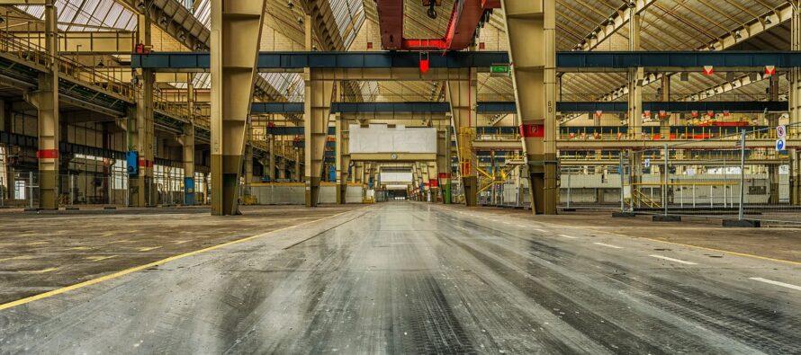 Produzione Industriale. I dati Istat: a dicembre sprofondo di fatturato e commesse