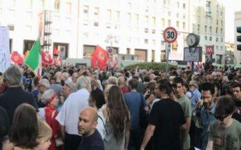 La sinistra si riunisce in piazza a Milano contro la «fortezza Europa»