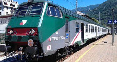 Trenord, la capotreno: «Zingari scendete», Salvini la difende