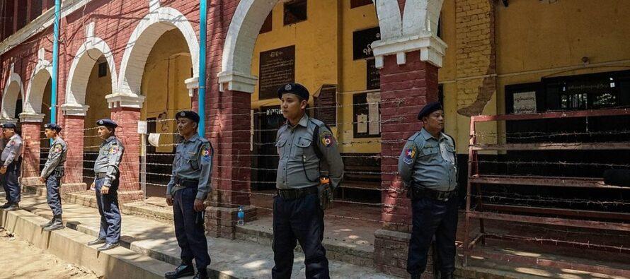 Myanmar. I militari golpisti introducono legge marziale