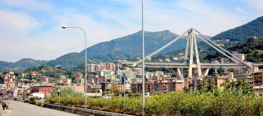 Quelli del Ponte. «Rispetto!», a Genova la protesta degli sfollati arriva in Regione