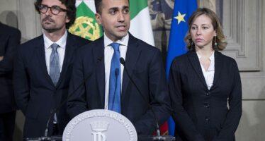 La Lega prova a scippare il «reddito» a Di Maio: i soldi alle imprese
