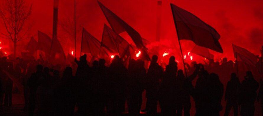 Polonia, scontri e feriti alla marcia dei nazionalisti xenofobi polacchi