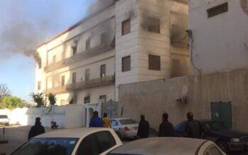 Attentato kamikaze a Tripoli, grave falla nella sicurezza