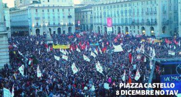 La marcia dei 60 mila No Tav lancia la sfida: fermate il cantiere