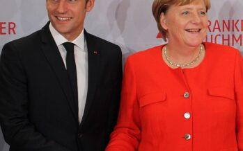 Merkel e Macron firmano un nuovo trattato franco-tedesco, il nazionalismo si scatena