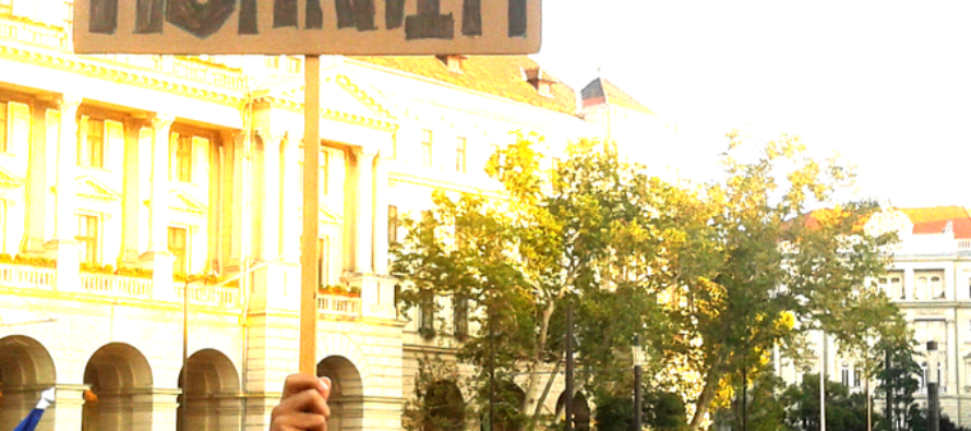 Ungheria, crescono le proteste: «Tutti contro Orbán»