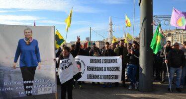 Why are 162 Kurdish political prisoners on hunger strike?