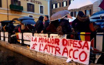 Migranti. In piazza a Montecitorio va in scena la solidarietà: «Non siamo pesci»