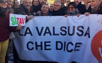 """Dal PD alla Lega, a Torino in piazza la """"grande coalizione"""" Pro Tav"""