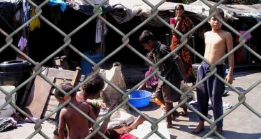 Sbomberi in Campania. Ruspe in arrivo per i rom che si mobilitano