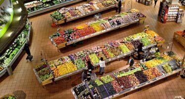 Istat: Calano i consumi delle famiglie, «al netto dell'inflazione, meno 0,9%»