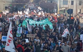 Un'onda verde manifesta a Roma su clima e grandi opere inutili
