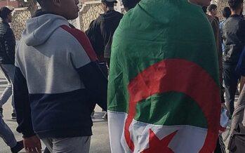 Algeria, Bouteflika si arrende, ma prende tempo: voto rinviato e lui non ci sarà