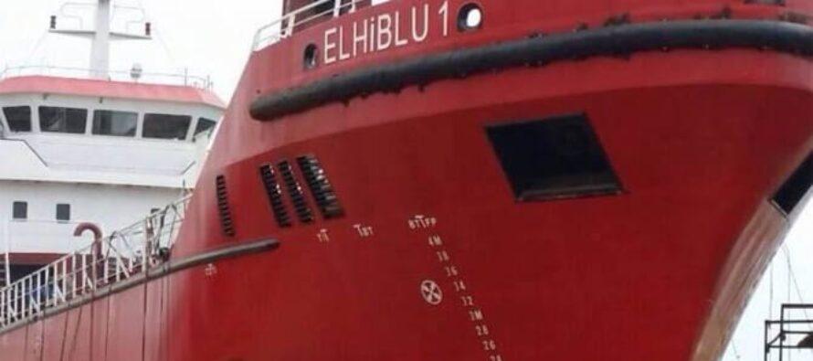 Mercantile «dirottato» su Malta, 5 migranti arrestati, gli altri a terra