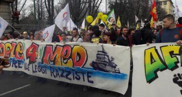 People in piazza a Milano, capitale dell'accoglienza: oltre 250mila